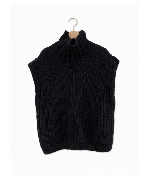 ENCEHS HAND-KNITTED VEST